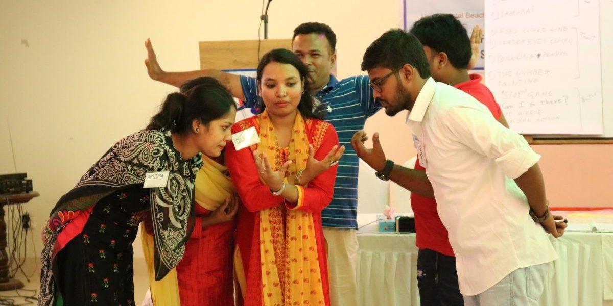 Des ateliers psychosociaux pour l'ouverture des Espaces adaptés aux enfants, pour réfugiés rohingyas au Bangladesh