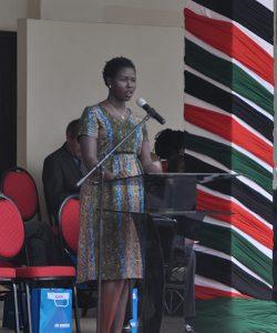 Un député sud-soudanais fait un discours à l'occasion de la Journée mondiale des réfugiés, à Nairobi, au Kenya.