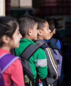 Des enfants vont à l'école au Centre FVDL à Bourj Hammoud, au Liban.