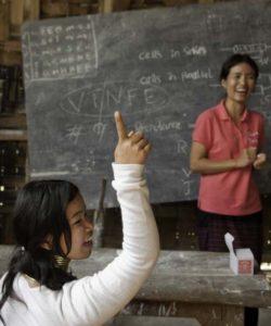 Une classe JRS de la zone d'abris temporaires à Baan Mai Naison, ou du camp de réfugiés Karenni, à environ une heure de route de Mae Hong Son, en Thaïlande.