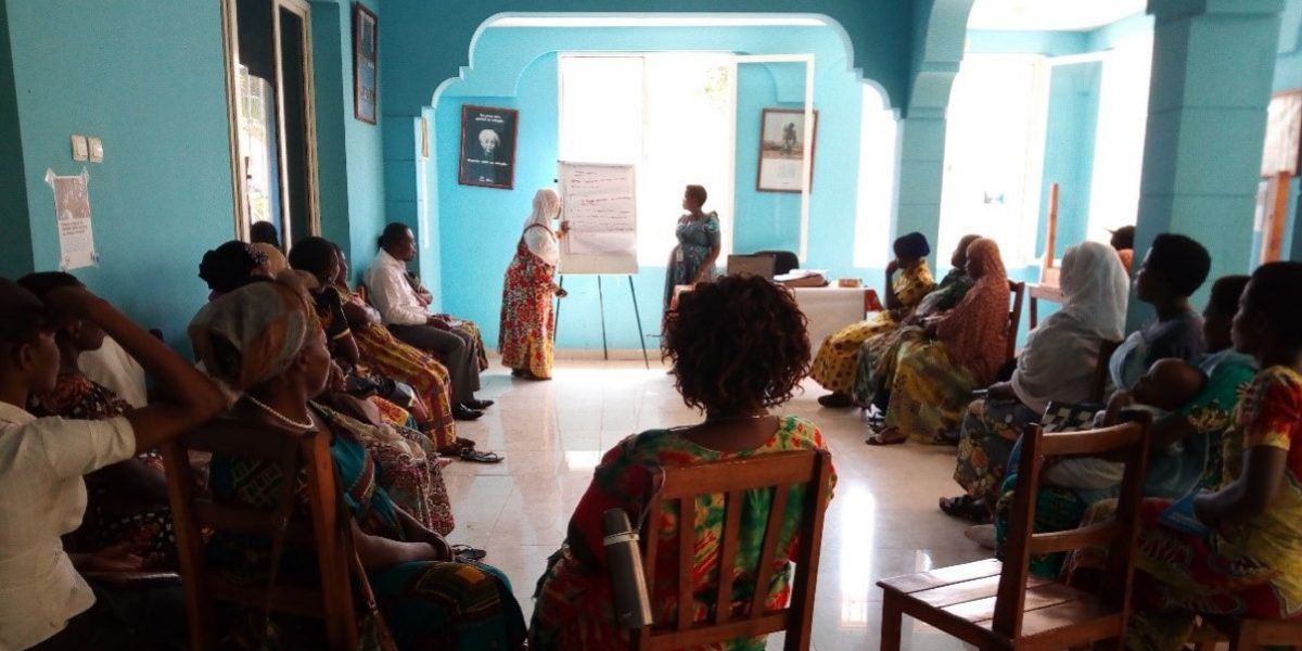 Des réfugiés urbains participent à une formation aux moyens de subsistance à Bujumbura, Burundi.