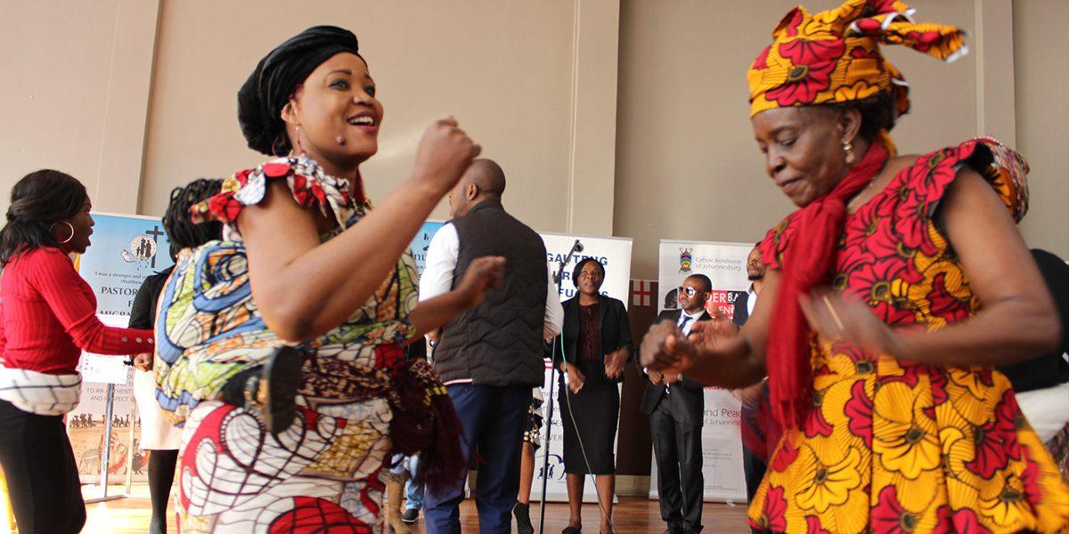 Des femmes dansent à JRS Afrique du Sud pour Journée mondiale des réfugiés (JRS)